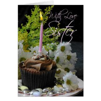 Hermana que una torta del té del té del cumpleaños tarjeta de felicitación