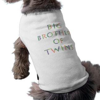 Hermano mayor de los gemelos - perros