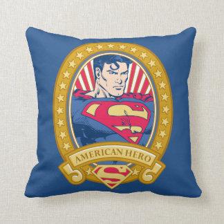 Héroe del americano del superhombre cojín decorativo