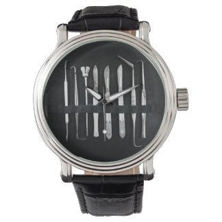 Herramientas de embalsamiento clasificadas de la reloj de pulsera