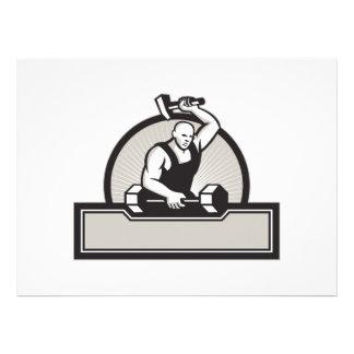 Herrero con el Barbell llamativo del martillo Comunicado Personal
