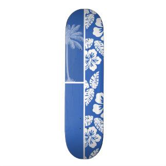Hibisco tropical y palma del azul cerúleo patines
