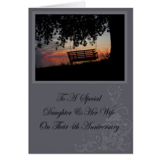 Hija y su 4ta tarjeta del aniversario de la esposa