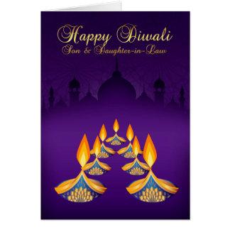 Hijo y nuera, tarjeta de felicitación de Diwali,
