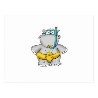 Hipopótamo lindo con un neumático flotante y los postal