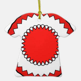 Hippy 8 de la ropa de Kris Alan Adorno De Cerámica En Forma De Camiseta