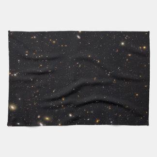 Historia de la galaxia reveladora por el Hubble Toalla De Cocina