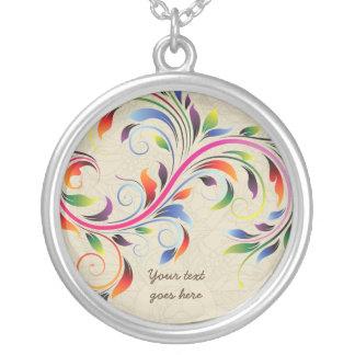 Hoja colorida de la voluta, collar de plata floral