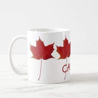 hoja de arce canadiense roja - Canadá Taza Básica Blanca