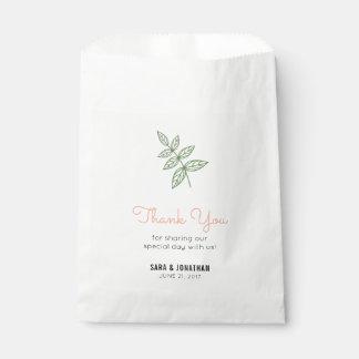 Hoja de la verde salvia, boda coralino del acento bolsa de papel