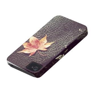 hoja roja del vintage del caso del iPhone 4 en la Funda Para iPhone 4