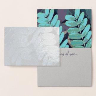 Hojas de la aguamarina tarjeta con relieve metalizado