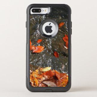 Hojas de la caída en fotografía del otoño de la funda commuter de OtterBox para iPhone 8 plus/7 pl