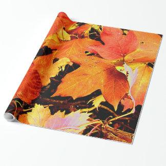 Hojas de otoño anaranjadas intrépidas imponentes papel de regalo