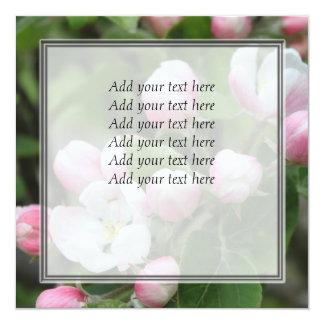 hojas del flor y del verde de la manzana invitación 13,3 cm x 13,3cm
