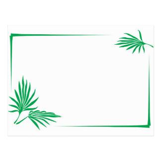 Hojas del verde con la frontera postal