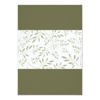 Hojas florales expresivas del verde verde oliva invitación 12,7 x 17,8 cm