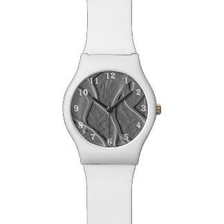 Hojas grabadas en relieve reloj de mano