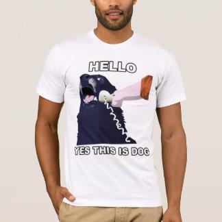 ¿Hola? Éste es sí perro Camiseta