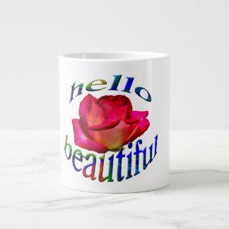 Hola hermoso en una taza enorme