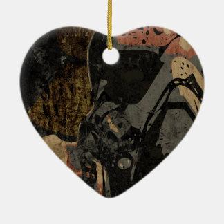Hombre con la máscara protectora en la placa de adorno navideño de cerámica en forma de corazón