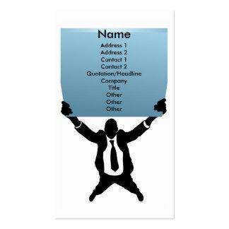 Hombre de negocios con la muestra tarjeta de negocio