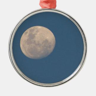 Hombre en la luna adorno redondo plateado