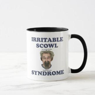 Hombre gruñón del ceño irritable viejo taza