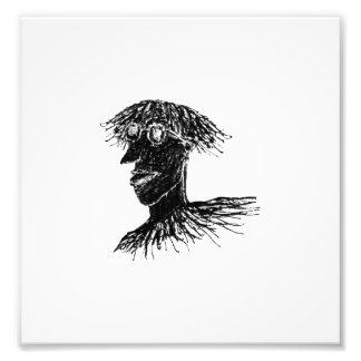 Hombre largo joven fresco del pelo con el dibujo fotografía