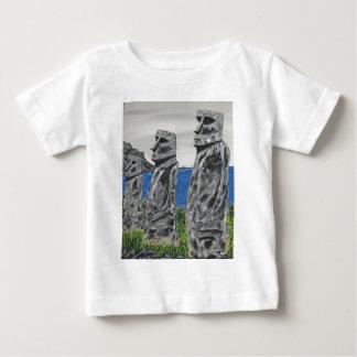 Hombres de la piedra de la isla de pascua camiseta de bebé