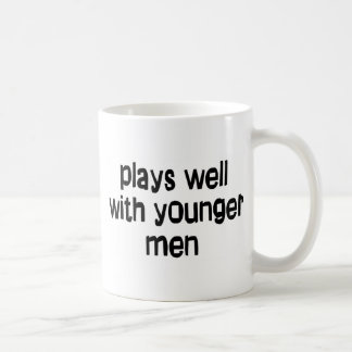 Hombres más jovenes taza
