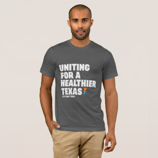 Hombres que unen para una camiseta más sana de