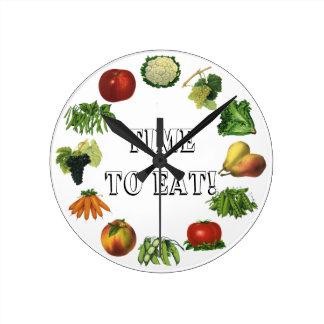 ¡Hora de comer sus frutas y verduras! Reloj Redondo Mediano