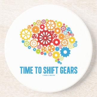 Hora de desplazar los engranajes (cerebro de los posavasos diseño
