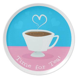 Hora para la taza de té del corazón del té plato para fiesta
