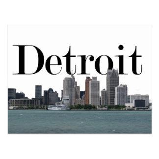 Horizonte de Detroit MI con Detroit en el cielo Postal