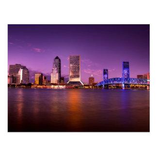 Horizonte de Jacksonville la Florida en la noche Postal