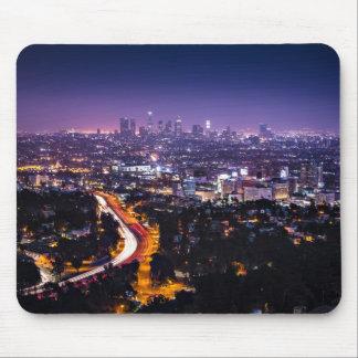 Horizonte de Los Ángeles, California en la noche Alfombrilla De Ratón