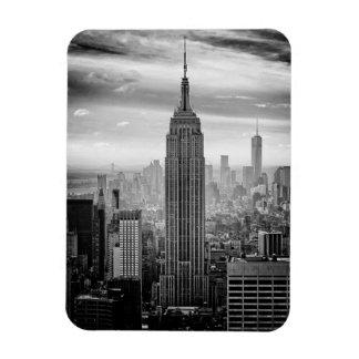 Horizonte de New York City blanco y negro Imán