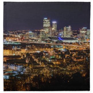 Horizonte de Pittsburgh en la noche Servilleta De Tela