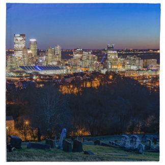 Horizonte de Pittsburgh en la puesta del sol Servilleta De Tela