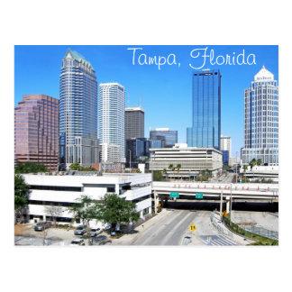 Horizonte de Tampa, la Florida según lo visto del Postal