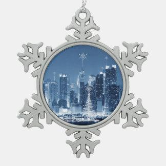 Horizonte del invierno de New York City Adorno De Peltre En Forma De Copo De Nieve
