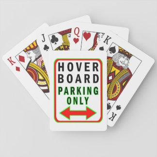 Hoverboard que parquea solamente baraja de cartas