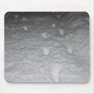 Huellas del gato en nieve alfombrilla de ratón