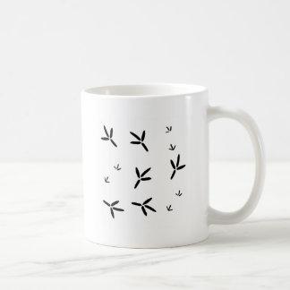 Huellas del pájaro acuático taza de café