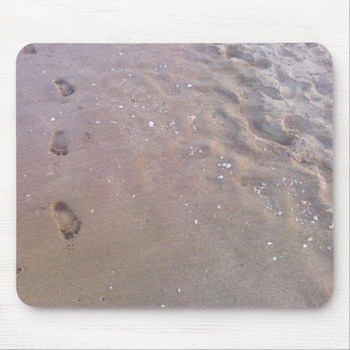 Huellas en la arena alfombrilla de raton