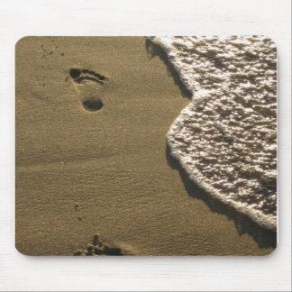 Huellas en la arena Mousepad Tapete De Ratón