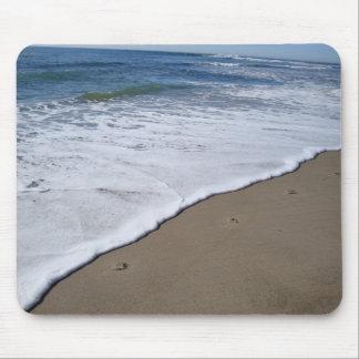 Huellas en la playa alfombrilla de ratón