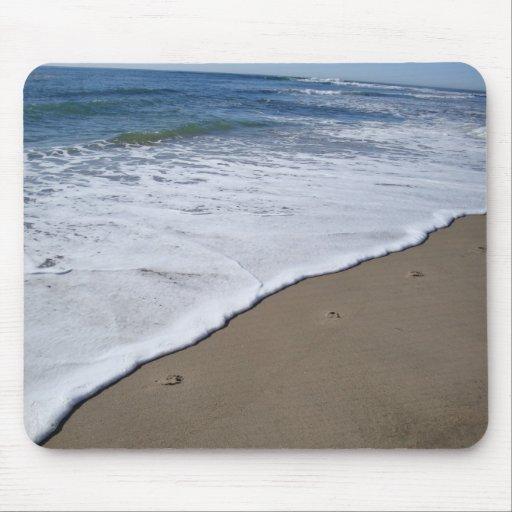 Huellas en la playa tapete de ratón